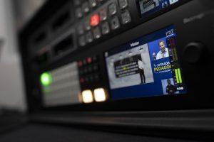Transmissão estúdio cross host
